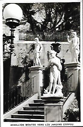 Achilleion montee vers les jardins Corfou